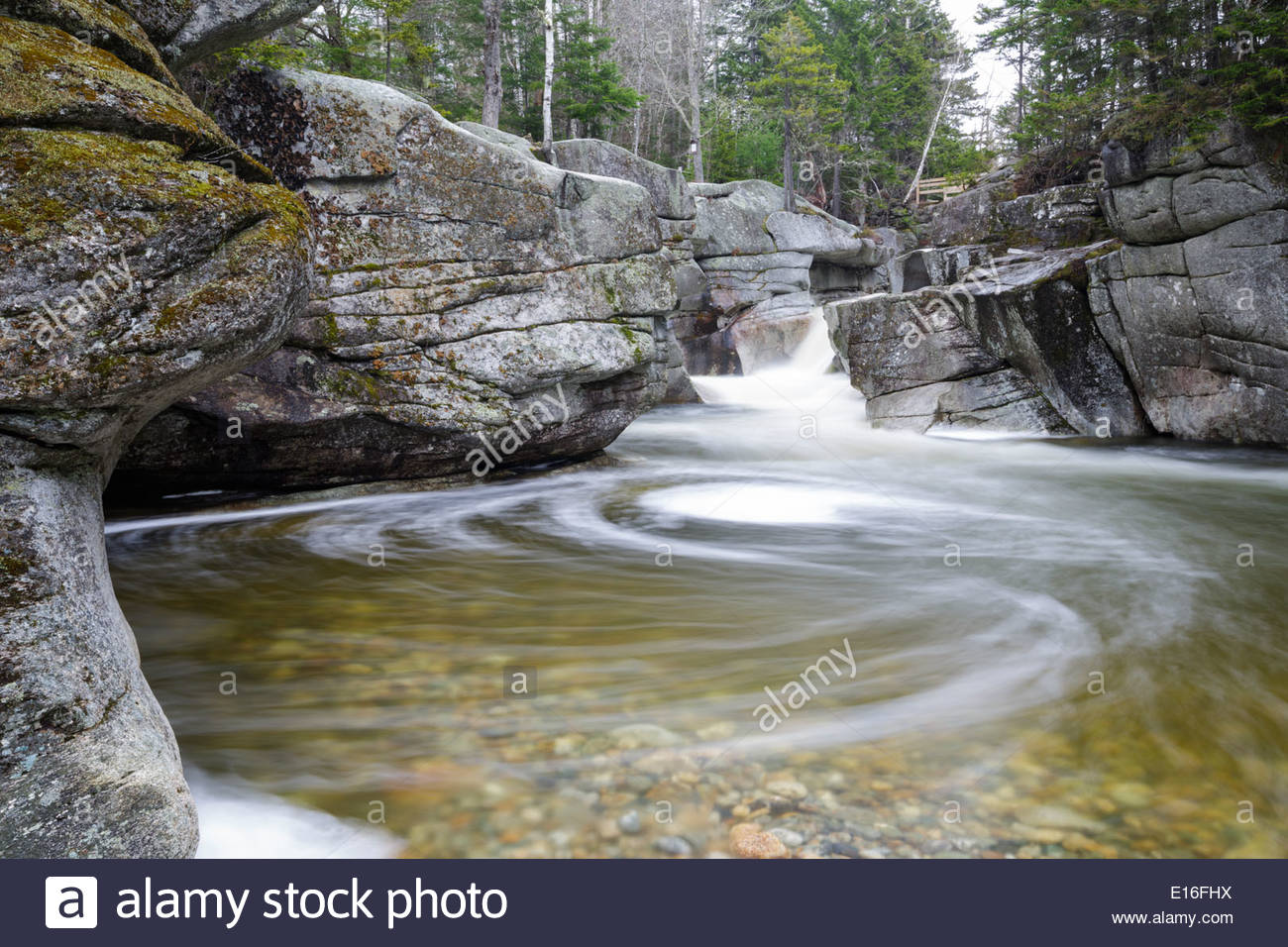 Ammonoosuc River clipart #13, Download drawings