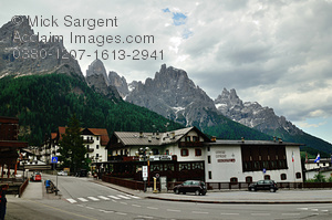 Dolomites clipart #1, Download drawings