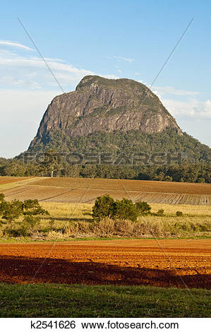 Glasshouse Mountains clipart #2, Download drawings