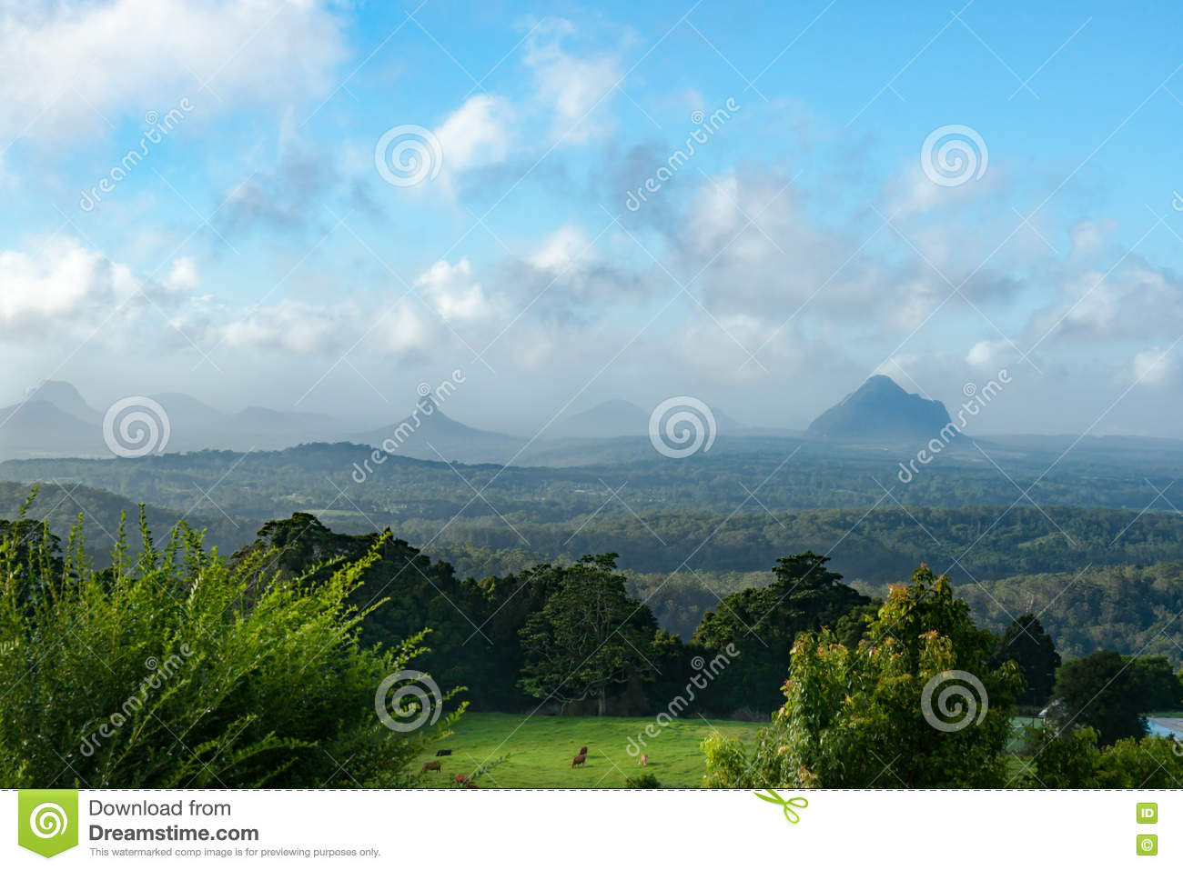Glasshouse Mountains clipart #7, Download drawings