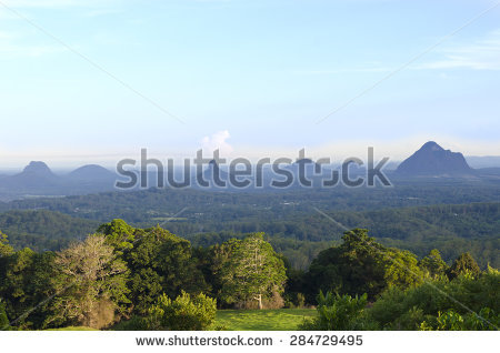 Glasshouse Mountains clipart #3, Download drawings