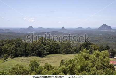 Glasshouse Mountains clipart #4, Download drawings