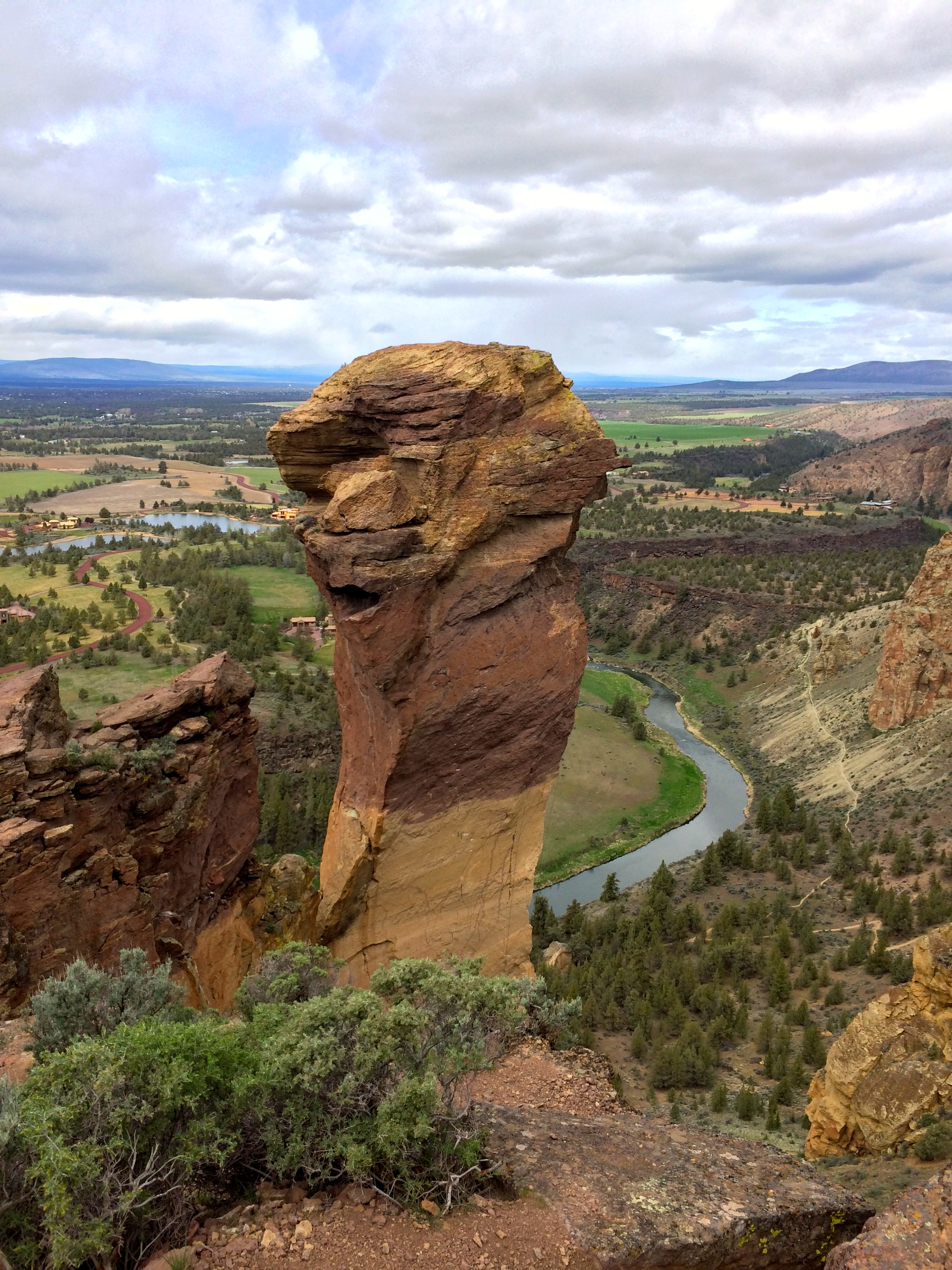 Smith Rock State Park svg #9, Download drawings