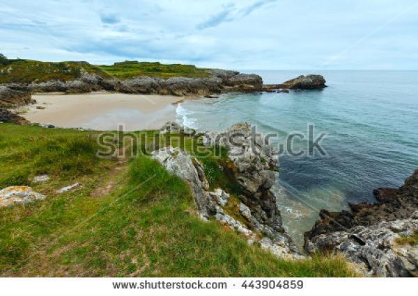 Huelgo Beach clipart